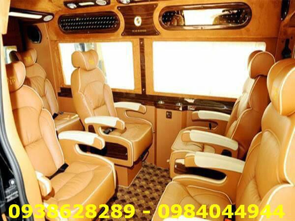 Cho Thuê Xe VIP Limousine 9 Chỗ ở TPHCM